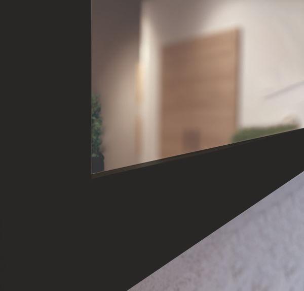 particolare specchio nero liscio