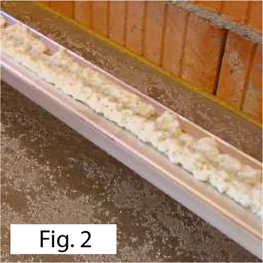 Installation Base profile with flush-to-the-wall skirting board