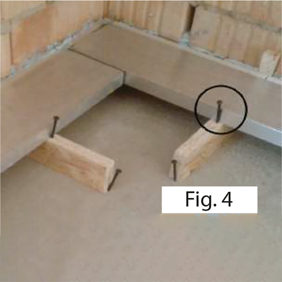 Assembly Base profile with flush-to-the-wall interlocking skirting board