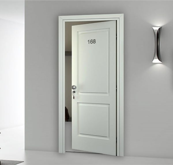 REI 45 white lacquered door with overlapping bosses
